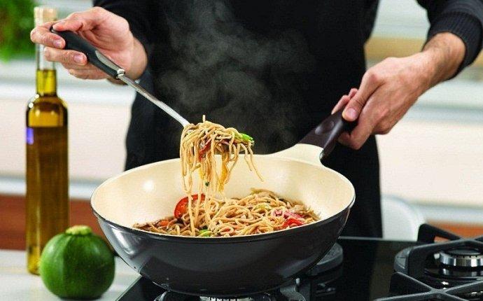 Чугунная посуда: польза и вред, как ухаживать?