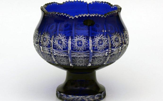 Цветной хрусталь из Чехии – наборы фужеров и бокалов, цветочницы