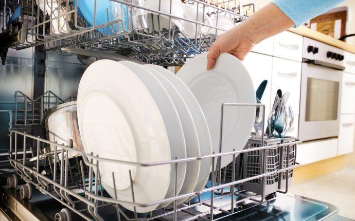 Как мыть посуду в посудомоечной машине - Лайфхакер