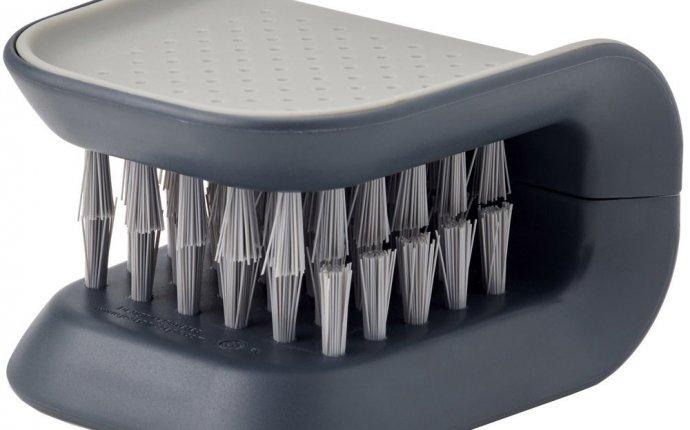 Щетка для мытья ножей и столовых приборов Joseph Joseph BladeBrush