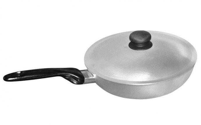 Сковорода из алюминия. диаметр: 260 мм. по договорной цене в